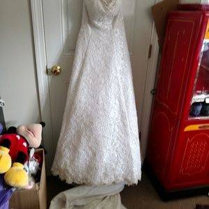 David's Bridal Michelangelo White Wedding Dress